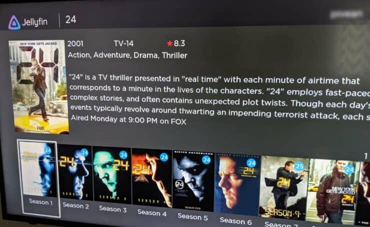 Page d'informations sur les émissions de télévision sur l'application Roku Jellyfin